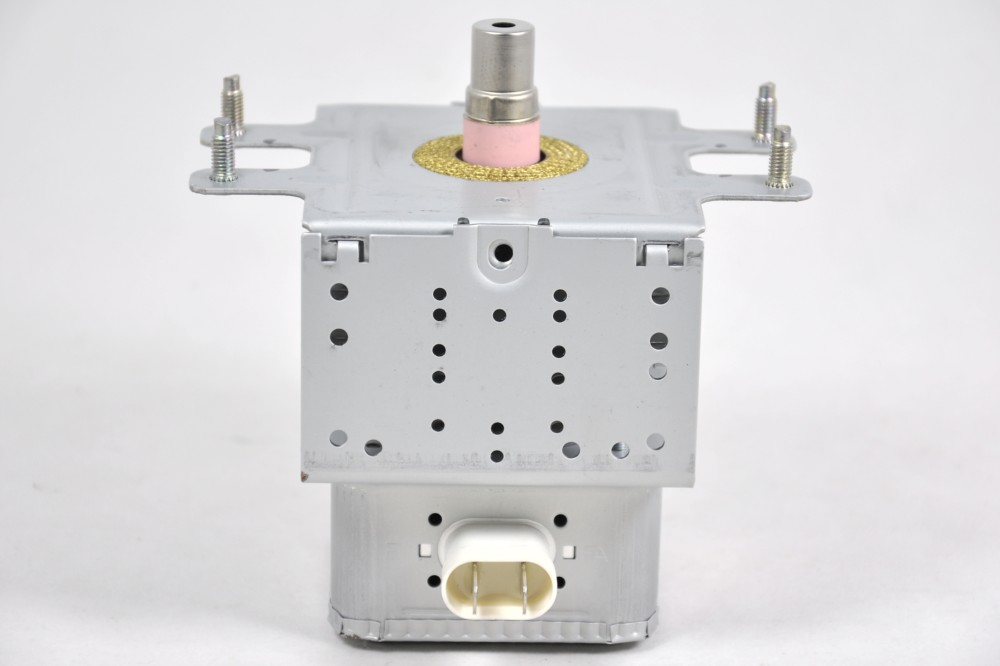 Magnetron for Daewoo KOM9M11/KOM9M11S/KOM9P11 microwave ovens [MSW.3518003810]