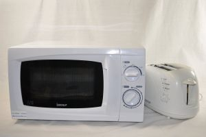 500 Watts Low Power Microwave Oven And Toaster Ideal For