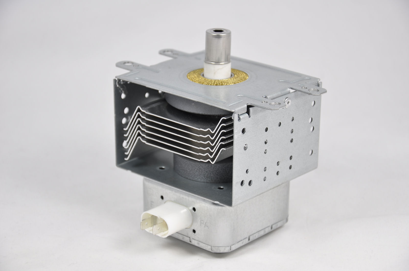 Commercial magnetron [MAG.MSM2M244-M6IH]
